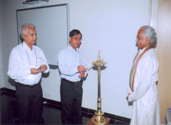 (From Left to Right) Dr. M. Venkateswarlu, Drug Controller General India, Mr. T. C. James, Director, Intellectual Property Rights, Govt of India, and Dr. Gopakumar G. Nair inaugurating the Annual Event and Diploma Awards Ceremony of the 2nd batch of students at GNAs Patent Gurukul.